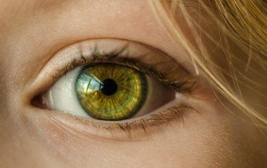 Fotofobia ou sensibilidade à luz pode indicar outras doenças