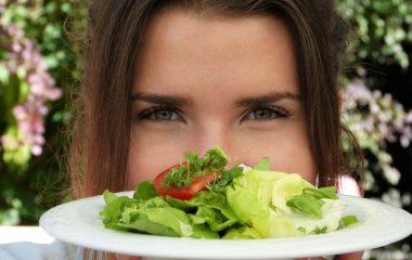 6 dicas de alimentos bons para os olhos