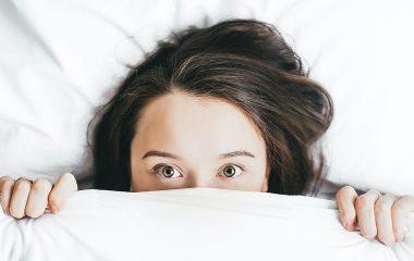 Como uma noite mal dormida pode afetar os olhos?