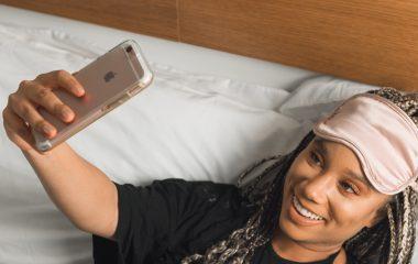 Tapa olho para dormir pode melhorar a qualidade do sono?